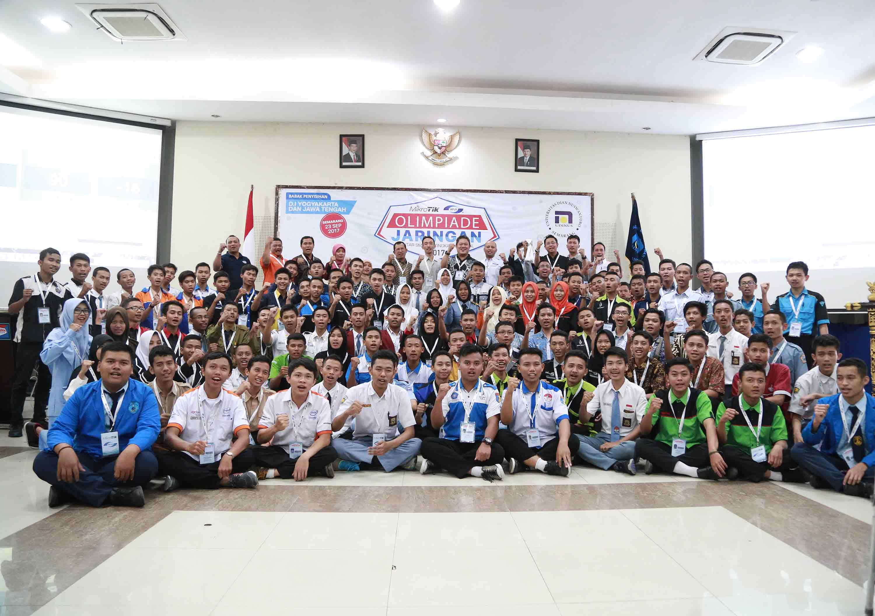 THE PRELIMINARY ROUND OF NETWORKING CHAMPIONSHIP OF CENTRAL JAVA AND YOGYAKARTA AT UDINUS