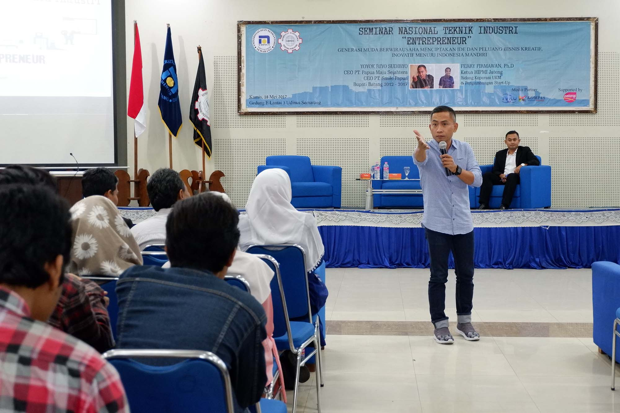THE ENTREPRENEUR SEMINAR, UDINUS HMTEKIN PRESENTS EX-REGENT OF BATANG