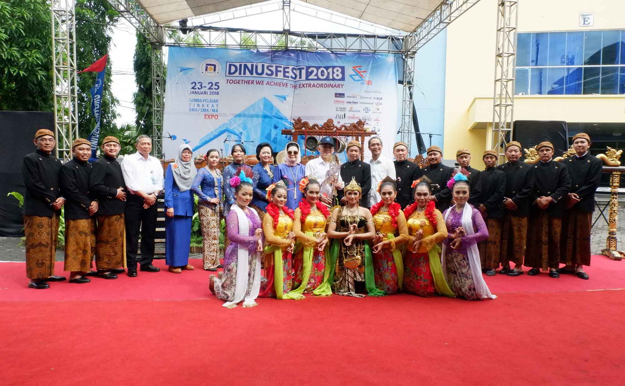 BEFORE LEAVING TO UNESCO, E-GAMELANKU TEAM OPEN DINUSFEST 2018