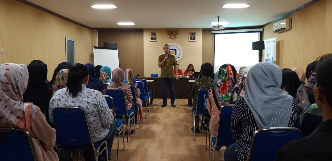 UDINUS CAREER CENTER BERIKAN WORKSHOP STRATEGI MARKETING