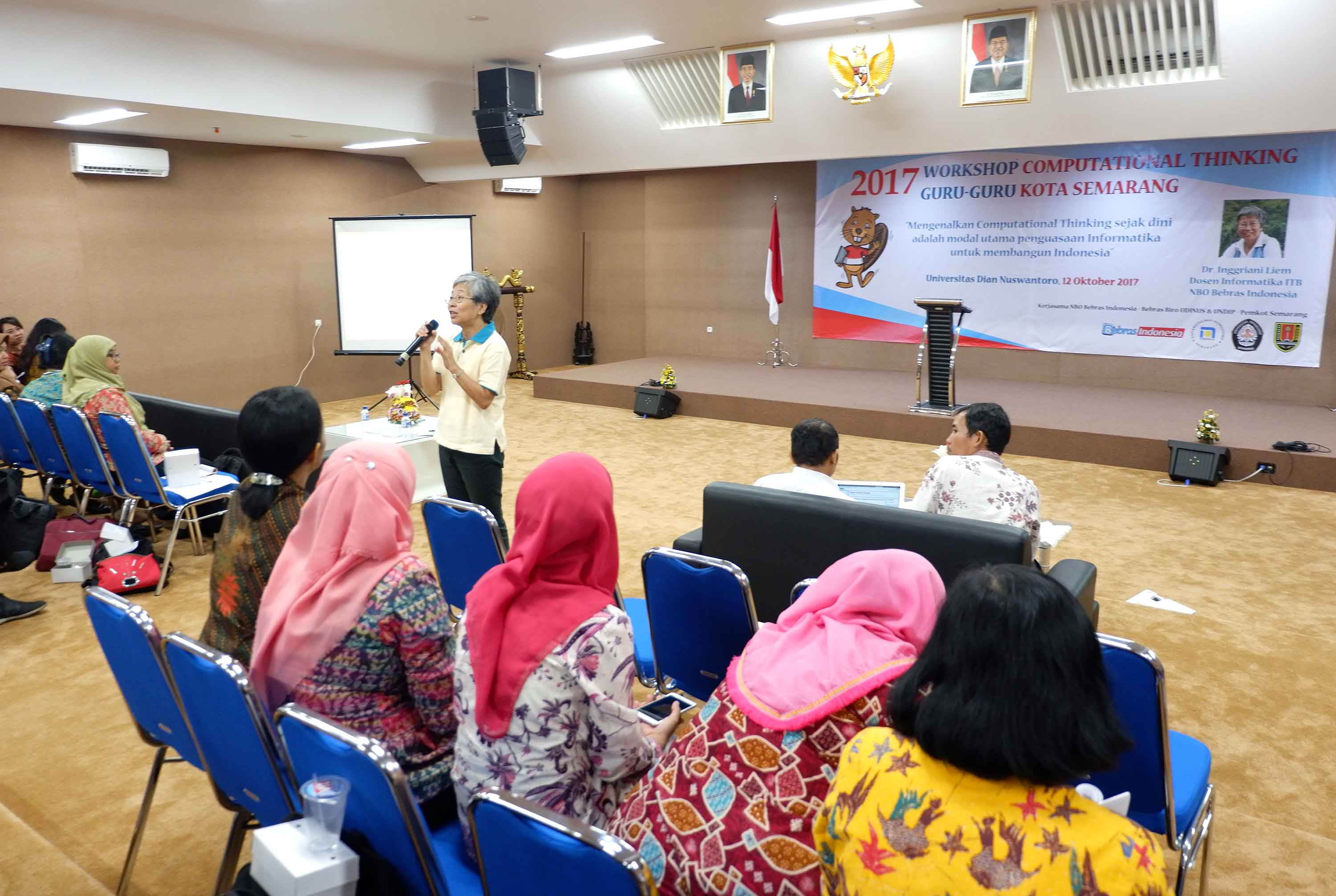 UDINUS INTRODUCES BEBRAS TO TEACHERS IN SEMARANG CITY