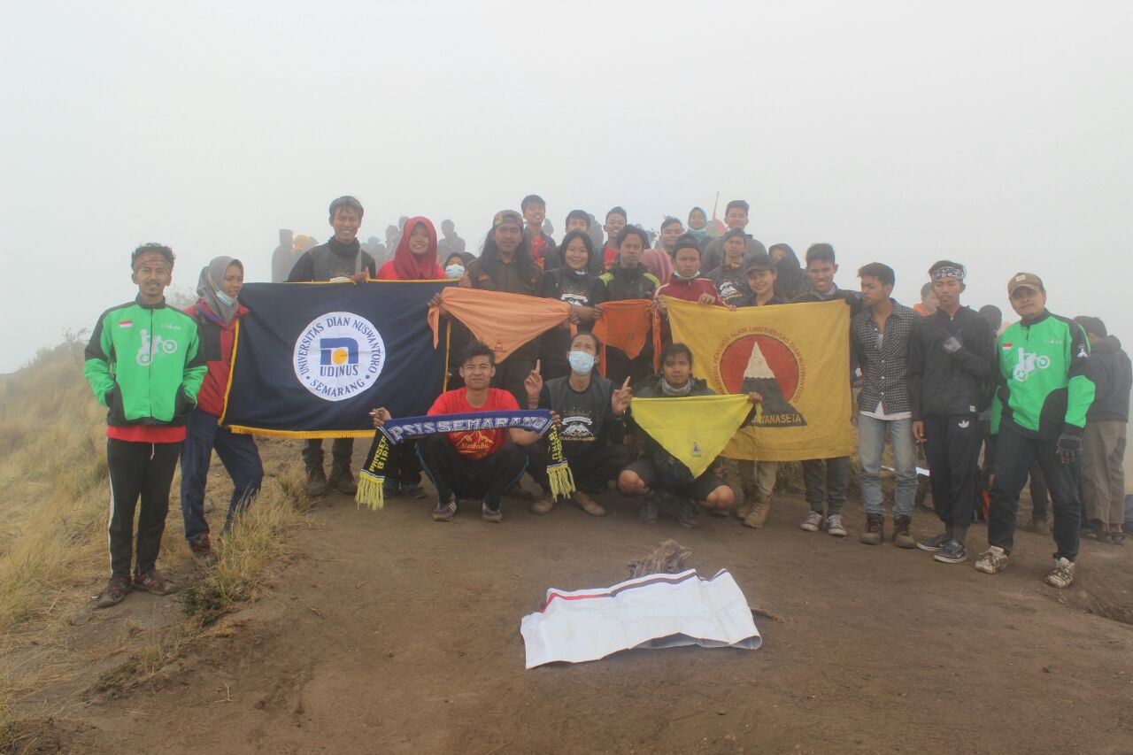 ALDAKAWANASETA UDINUS CELEBRATING THE ANNIVERSARY BY CLEANING MOUNTAIN