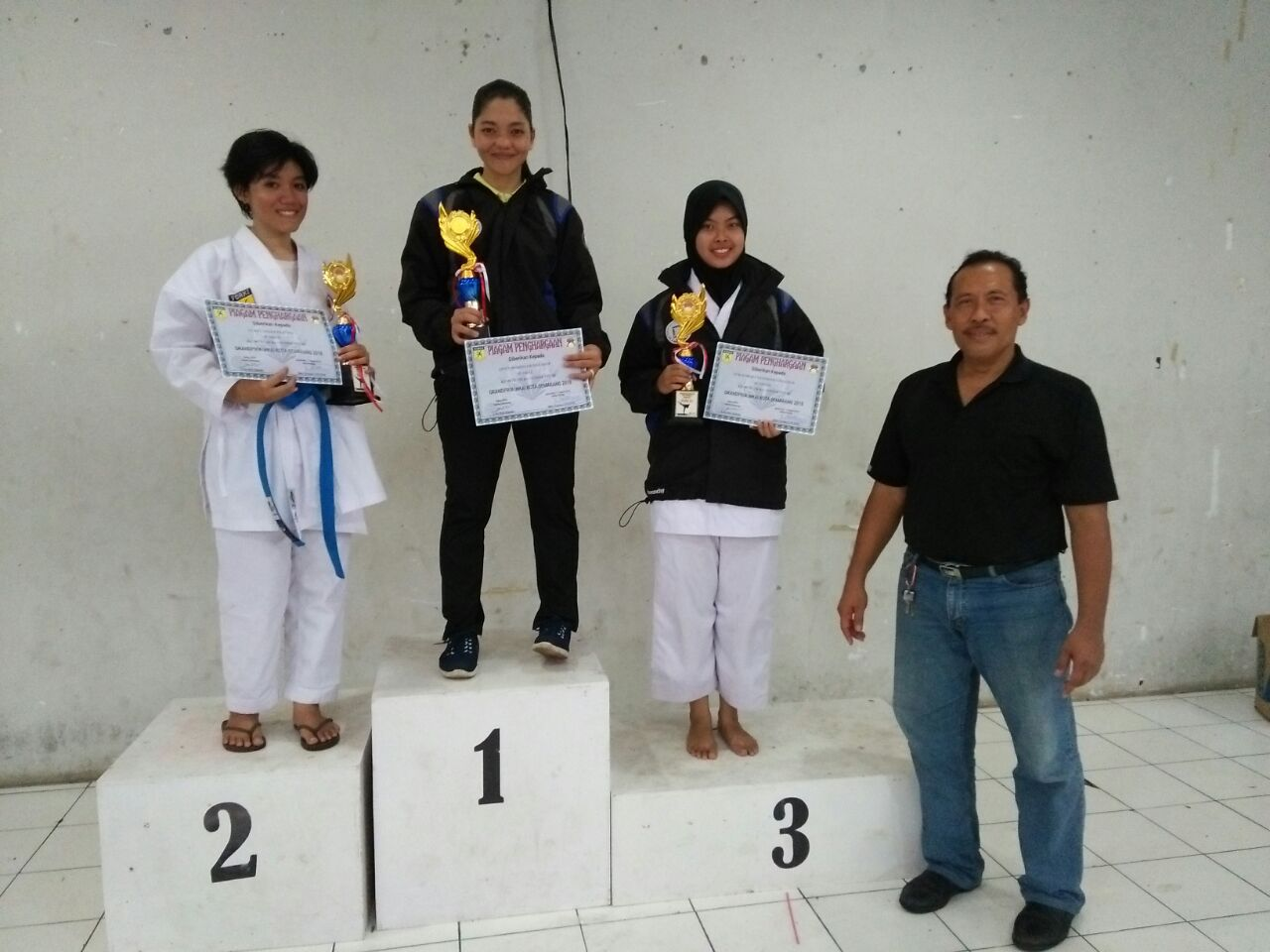 3 CHAMPIONS FROM UDINUS WON A KARATE COMPETITION IN SEMARANG GRANDPRIX 2018