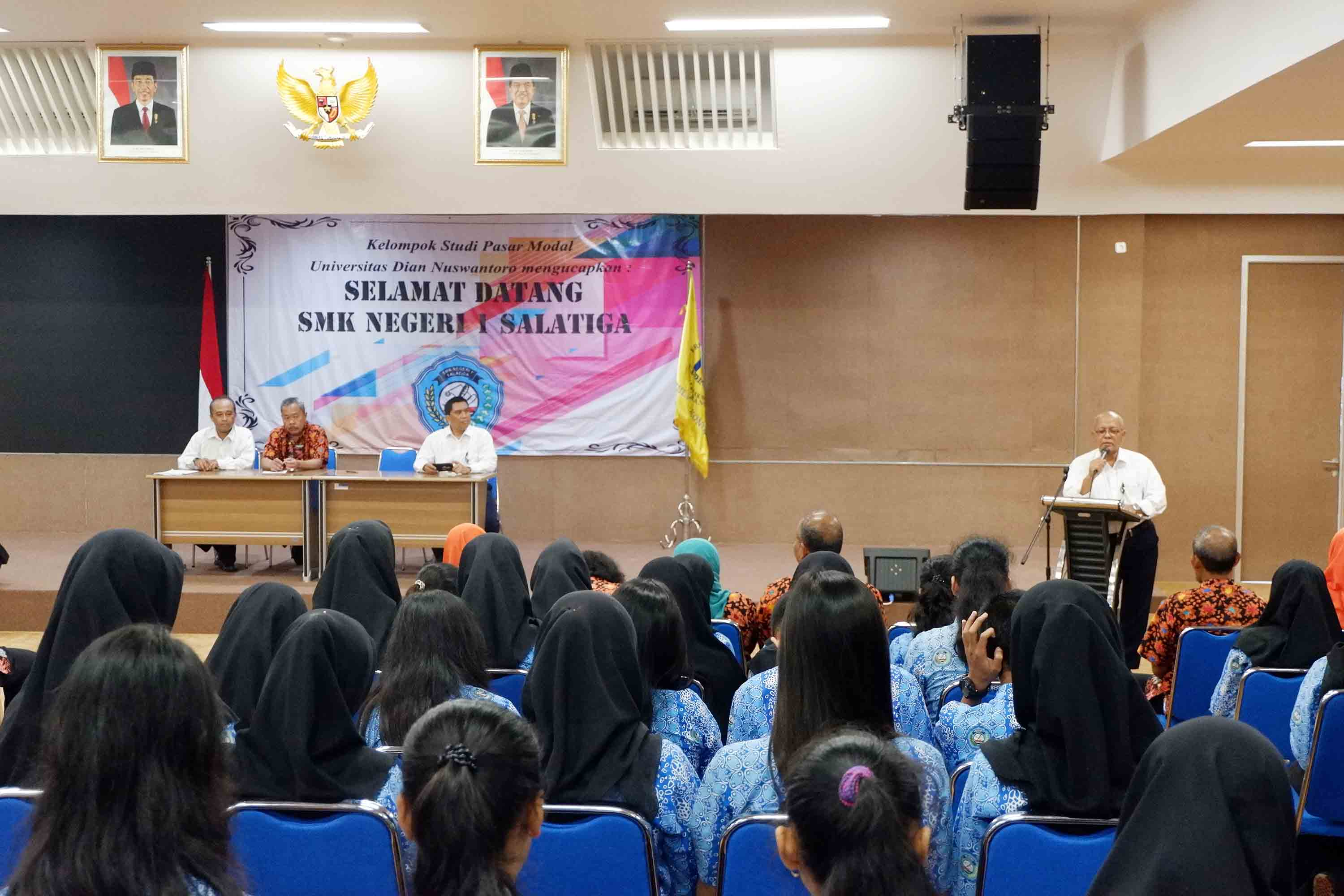 1 SALATIGA VOCATIONAL SCHOOL WANTS TO GET CLOSER TO FEB UDINUS