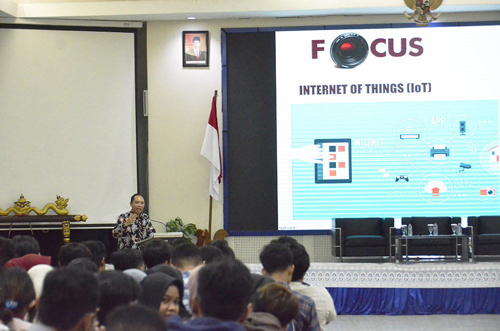 KULIAH UMUM FEB UDINUS BAHAS STRATEGI HRD DI ERA DIGITAL