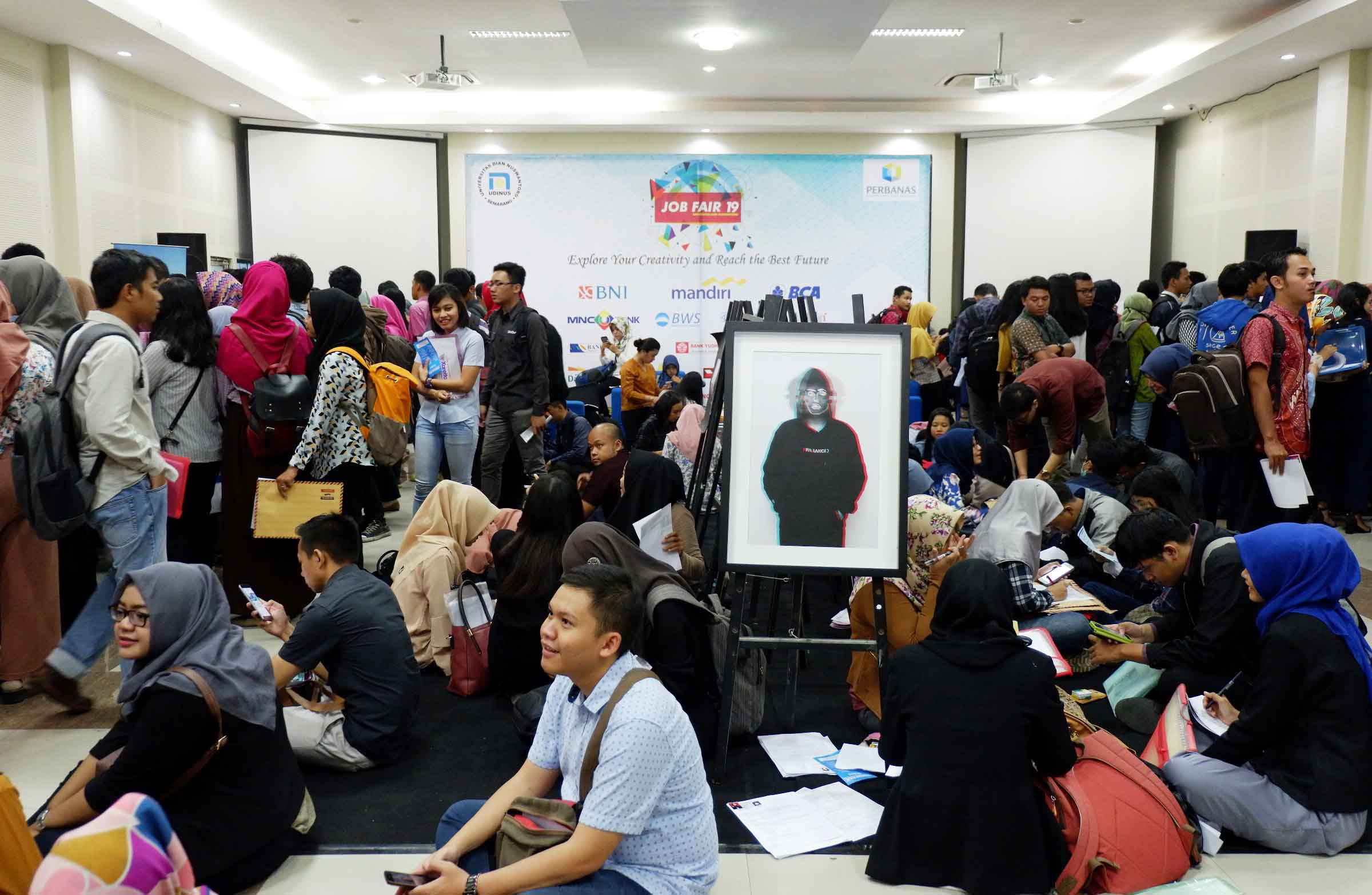 THOUSANDS OF JOB SEEKERS COME TO THE 19TH UDINUS' JOB FESTIVAL